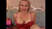 mature blonde is a squirter