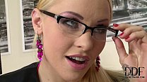 Nasty Office Babe Lola Taylor's Holes Gaped Wit... thumb