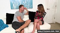 Skinny milf (Dava Foxx) gets pounded by a young...