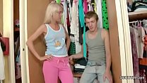 Brother Caught Skinny Step-sister and Seduce he...