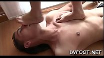 Beauty gets her feet licked in hd quality on fo...