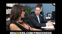 Big-tit brunette MILF Lisa Ann decides to settl...