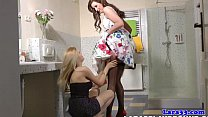 mature pussylicking lesbian in stockings
