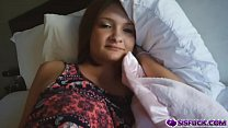 Paisley Brooks laziest girl and always wakes up late Thumbnail