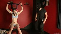 A cat burgler uses Maki Hojo as his slave for t...