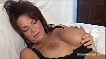 sexy mature in black lingerie getting squirt wi...