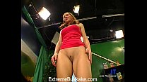 Sexy babe Magdalena gets her pussy stretched an...