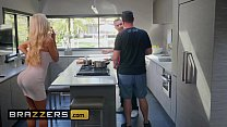 Real Wife Stories - (Courtney Taylor, Keiran Lee) - Courtney Lends A Helping Hand - Brazzers