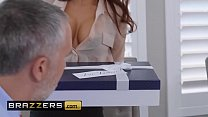 Download video bokep (Madison Ivy, Keiran Lee) - The Assistant's Aff... 3gp terbaru