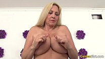 Mature woman Cala Craves shows off her pussy an...