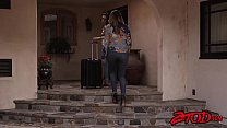 Loving stepmom Julia Ann chomps down on teenage...
