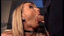 Download video bokep A hot blonde provokes Roberto Malone who's abou... 3gp terbaru