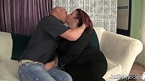 Pretty Plumper Lady Lynn Is Fucked in Her Pussy Before Making the Guy Jack Off i