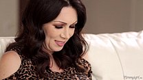 mother in love rayveness and gracie glam licking each other out