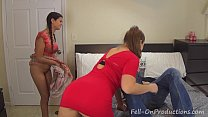 Madisin Lee in Mom and Stepdaughter Decorate Mo...