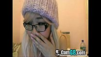 Adorable Asian Teen Can't Resist Cumming on Cam...
