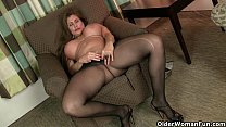 American milfs Sheila and Lacy get turned on by...