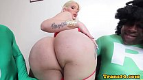 Twerking latina tranny facialized in trio