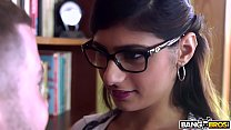 mia khalifa is back and hotter than ever check it out