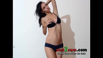cover video Skinny Top Model Teen Dancing And Teasing On Cam From
