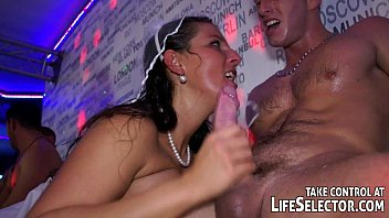 Swinger Party In New York Goes Hardcore