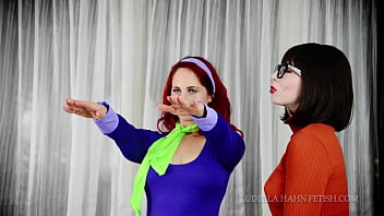 Vampire velma hypnotises and seduced daphne...