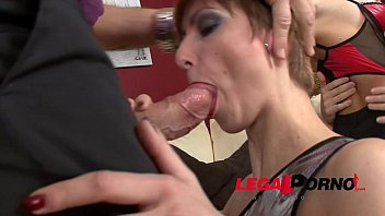 Extra crazy sluts Sarah & Amber in double anal balls deep foursome