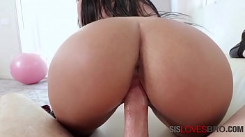 Latina Brunette With Big Ass Fucks Hard Like A Madwoman