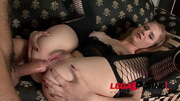 Hairy pussy whore jennifer gets deep anal sex i...
