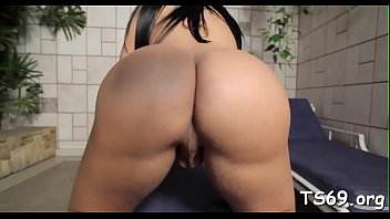 Chick with jock plugs her ass