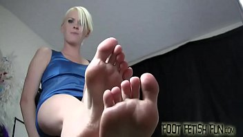 Worship and pamper my perfect size 10 feet