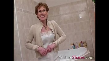 Hairy mature pees and takes a shower | Video Make Love