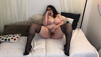 Sexy Busty BBW in Heels and Stockings Cums