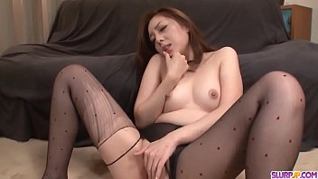 Maki Mizusawa spreads wide for cock and sucks in the same time More at