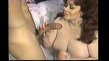 Natividad threesome kitten