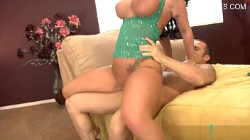 Pretty amateur Czech girl Kerry Raven banged for some money