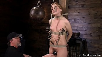 xxarxx Zippered slave in bondage standing