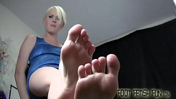 Get ready for a face full of womens feet