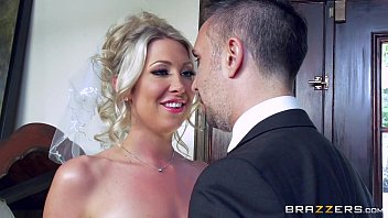 Free download video sex hot Lexi Lowe gets one last cock before the wedding Mp4 - VideoAllSex.Com