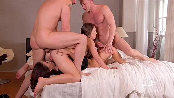 DDF Network - 2 Bros fuck a couple of super sexy Hoes