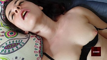 Green eyes 19yo Sahara cums because a man over 50 is jerking her off