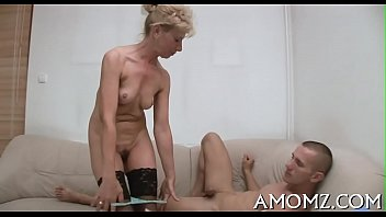 Hot Mom Gets Pleasure Of 10 Pounder...