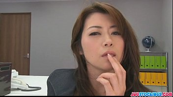Hojo toying her pussy during an office meeting 8 min