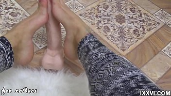 thumb My Sweet Feet And Dildo