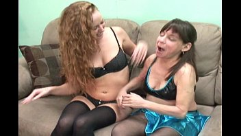 thumb Mom Teaches Young Girl Sex