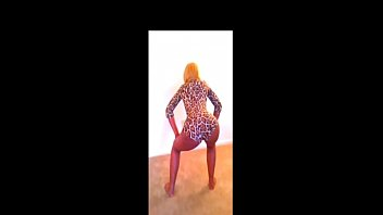 Twerking at home leads into fucking the stepfather