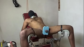 Indian guy takes poppers and enjoyes bdsm...