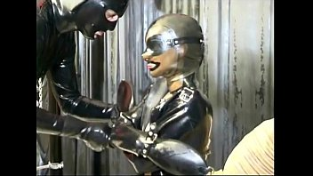 xxarxx Master and slave chick in a BDSM scene