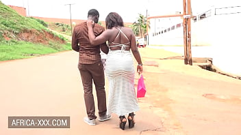 Curvy woman gives a sexy reward to the guy carrying her groceries