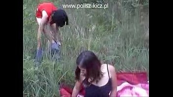 cover video Two Polish Girls Picnic